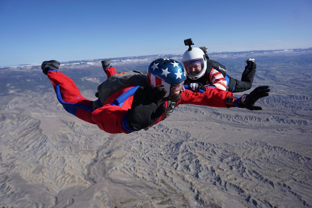 learn to skydive age